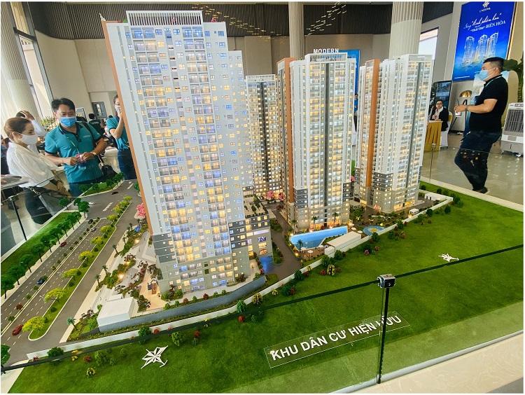 Sa bàn dự án Biên Hòa Universe Complex